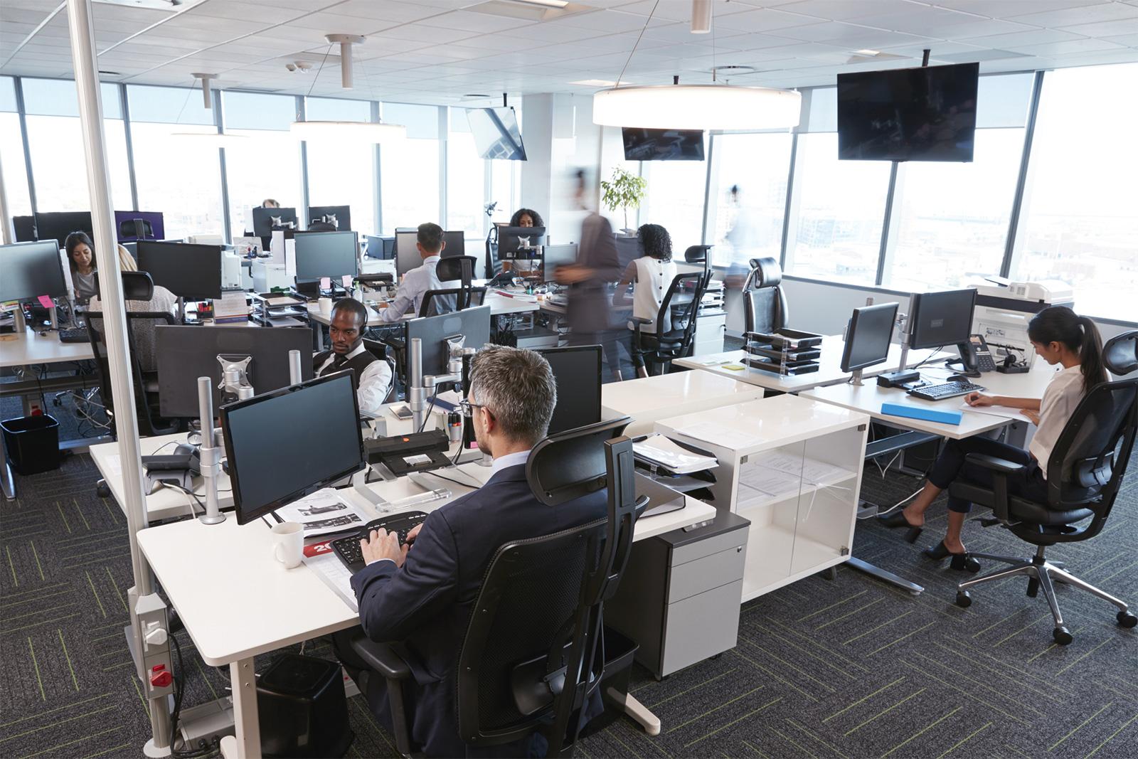 Le bureau moderne un mobilier ergonomique pour un maximum de